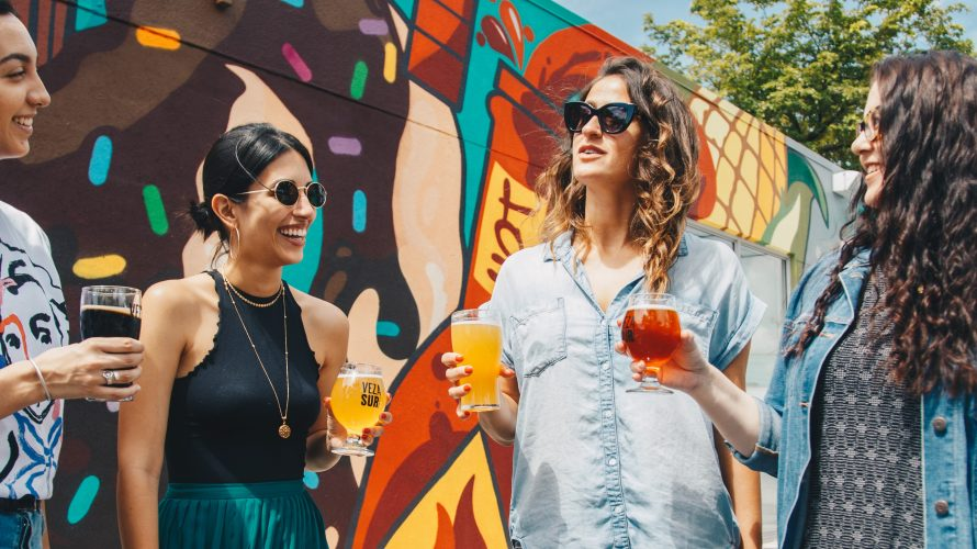 コロナの影響でお酒の量が増えた?-女性の方がアルコール依存症に短期間でなりやすい-